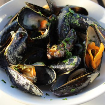 Belgian Style Mussels | www.notafoodexpert.com