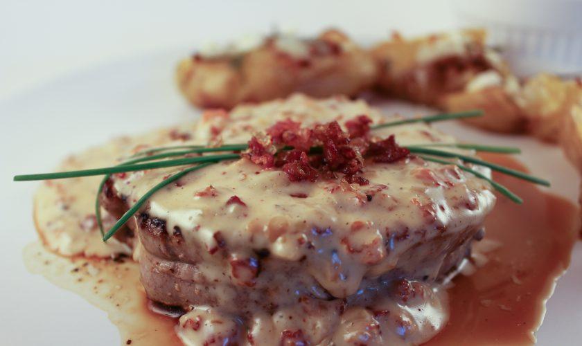 Filet Mignon With Bacon Sauce | www.notafoodexpert.com
