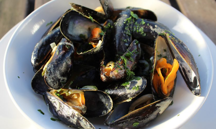 Belgian Style Mussels | www.notafoodexpert.com